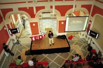 """Spectacol de idei la TEDxCluj, pe 8 noiembrie: """"Learn. Unlearn. Relearn."""""""