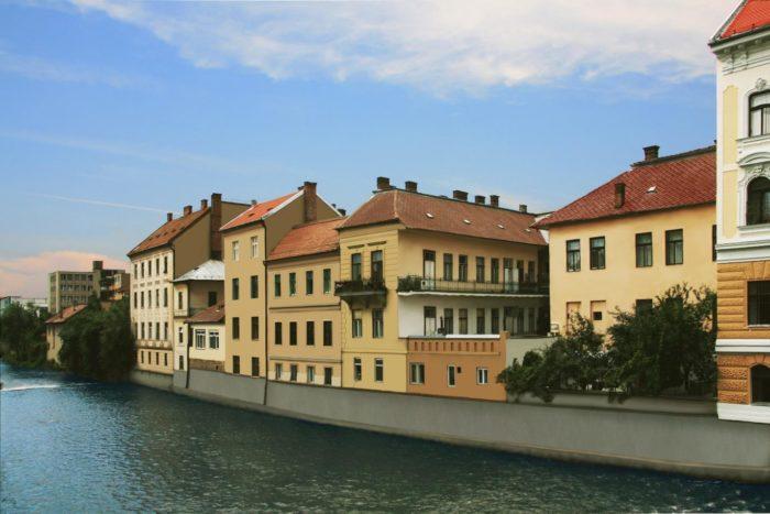 Clădirile din apropierea Podului Horea, cu malul întărit și fațadele clădirilor reabilitate
