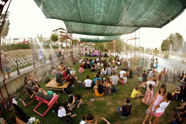 """Malul Someșului cu ocazia evenimentului """"Vamos a la Playa"""" 2017."""