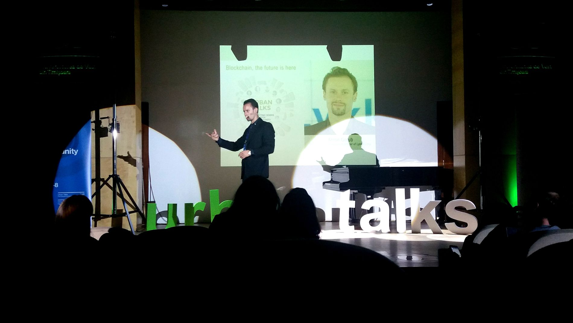 "Prezentarea lui Anton Golub la Urban Talks, Timișoara: ""Blockchain, the future is here""."