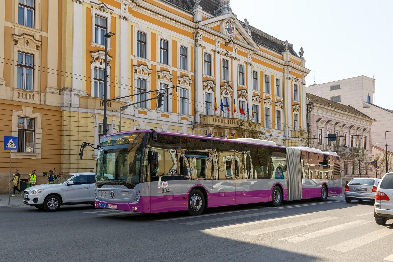 Unul din noile autobuze articulate noi, tip Mercedes. Foto: Primăria Cluj